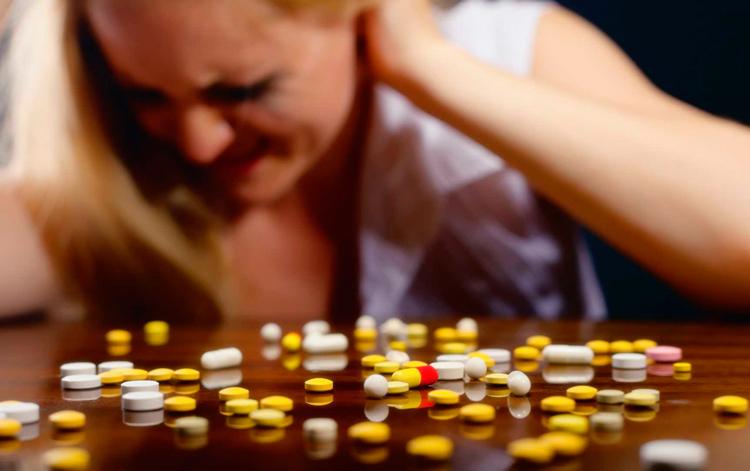 Применение препарата Омез при болях в желудке