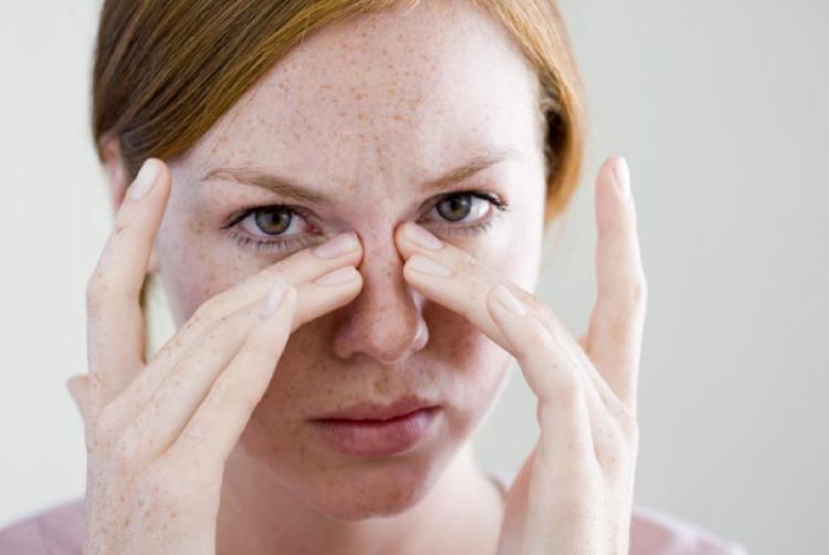 Лечение насморка Левомеколем